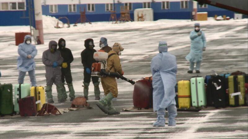 Rosjanie i obywatele innych narodości ewakuowani z Wuhanu